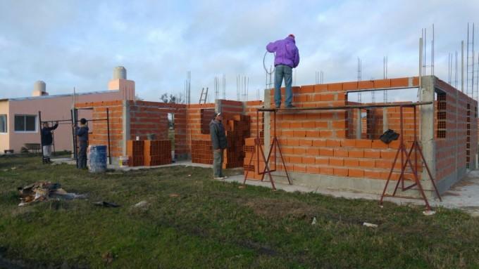 Nueva etapa en la construcción de 30 viviendas en C.Bernardi