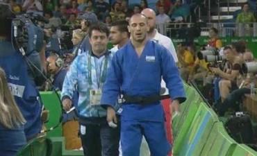 Lucenti cayó en un cerrado combate y quedó sin podio