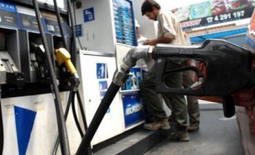 Acordaron congelar el precio de las naftas y el gasoil