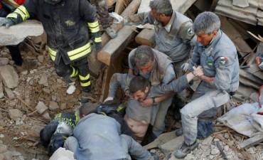Ascienden a 159 los muertos por el fuerte terremoto que sacudió Italia