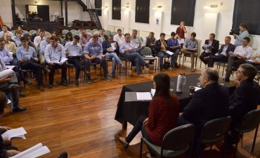 Ballay juntó a intendentes de Cambiemos por coparticipación y deuda