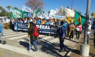 Los trabajadores comenzaron a marchar contra el ajuste