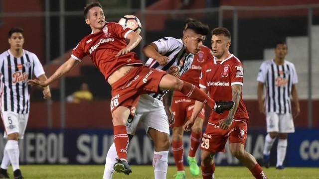 Copa Sudamericana: No hubo milagro y Huracán fue eliminado en el debut de Alfaro