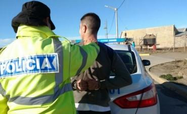 Federal : Lo detuvieron por orinar en la pista de baile y golpear a un policía