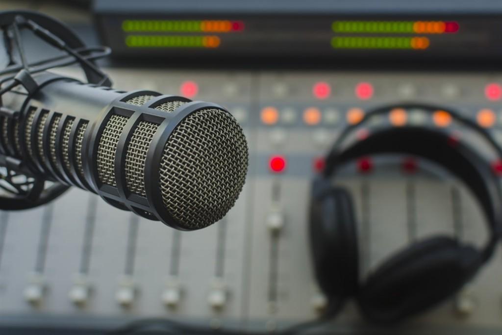 Aprueban un plan para normalizar el funcionamiento de las radios FM