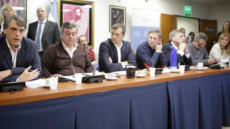 Intendentes de todo el país reclamaron por el Fondo Federal Solidario