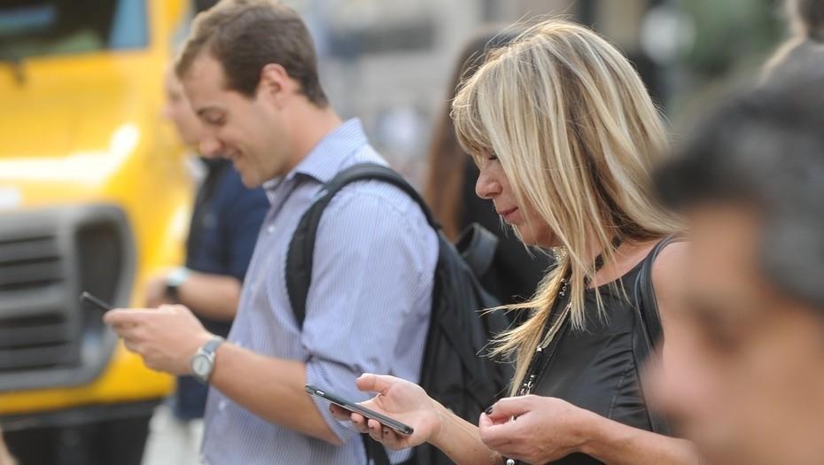 Los usuarios de celulares deberán registrar sus líneas prepagas antes de fin de año