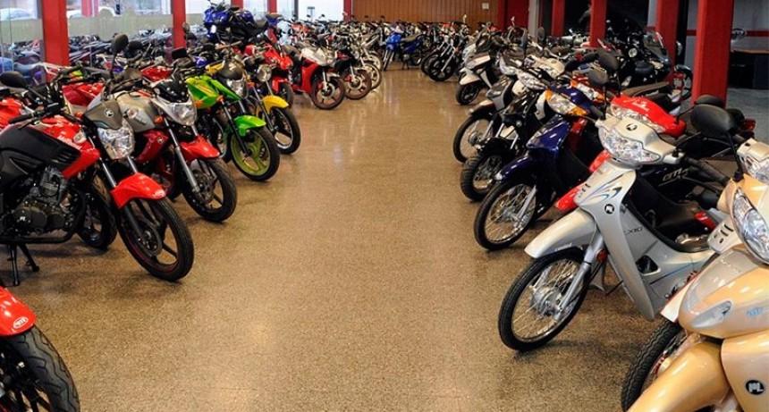 La venta de motos se desplomó en julio, al igual que los autos