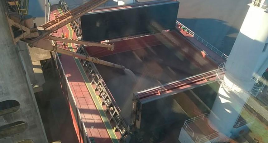 Llegó otro barco que cargará 11.000 toneladas de arroz entrerriano