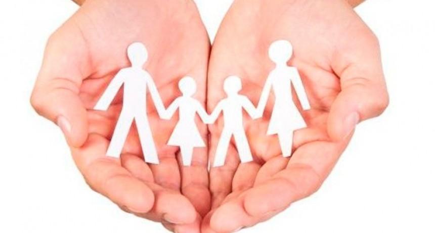 El Gobierno suspende por 30 días la rebaja a las asignaciones familiares