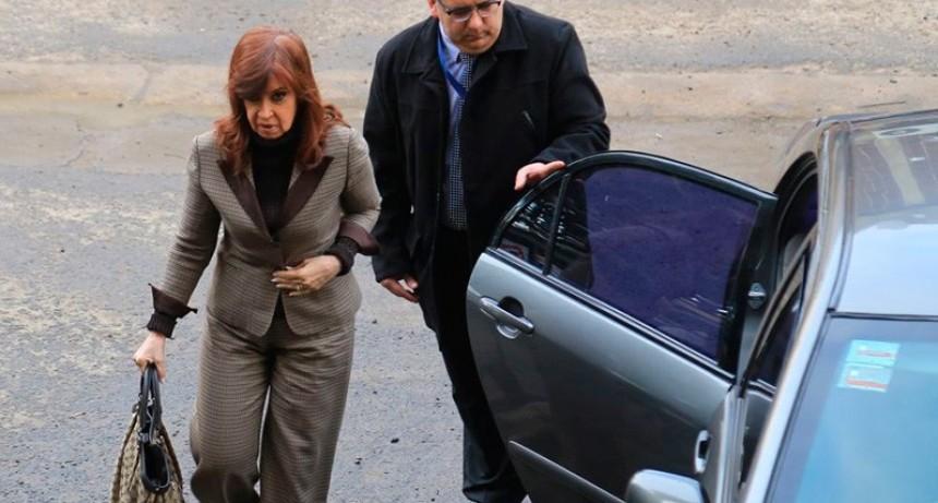 Cristina Kirchner pidió la nulidad de la causa y negó los cargos en su contra