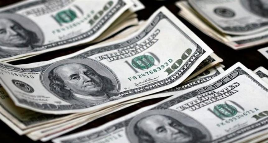 El dólar avanzó 2,9% al récord de $ 30, 72 (BCRA licitará mañana u$s 500 millones para saciar demanda)