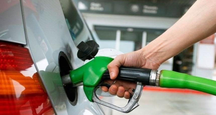 Anticipan un nuevo aumento de 10% en las naftas para los próximos meses