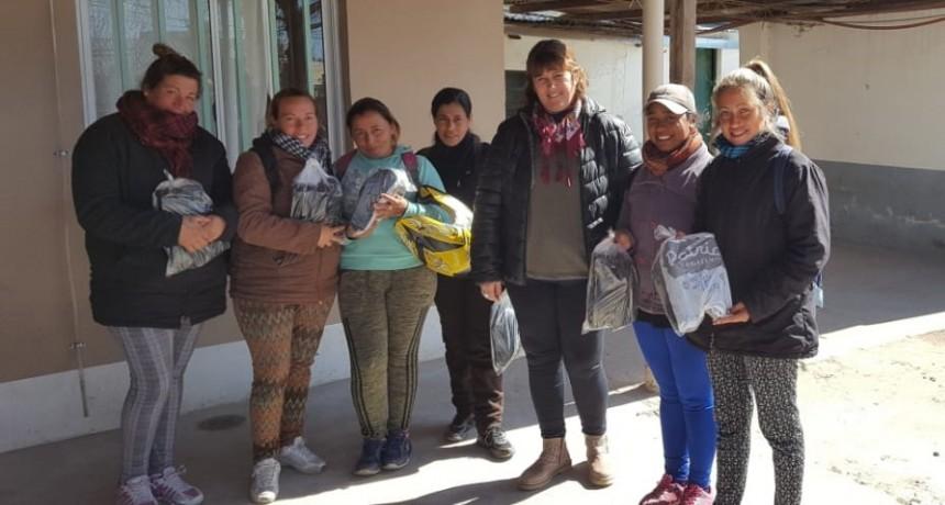 EL MUNICIPIO ENTREGÓ BORCEGOS A LAS CUADRILLAS DE BARRIDO