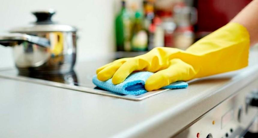 Oficializaron la suba salarial para empleadas domésticas: 25% en cuatro cuotas