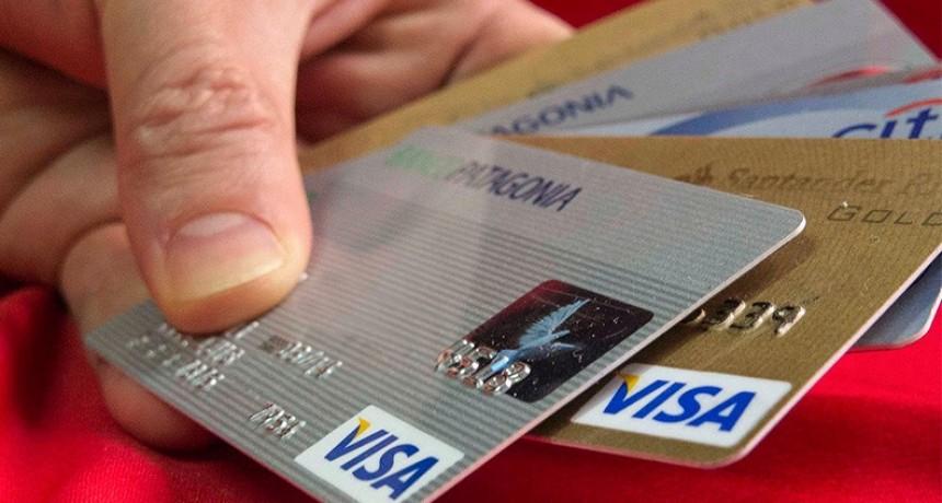 Pagar en más de seis cuotas tiene un costo financiero mayor al 100% anual