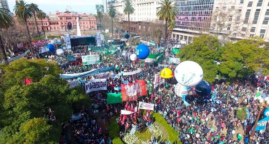 La economía argentina en rojo: Prevén mayor conflictividad social