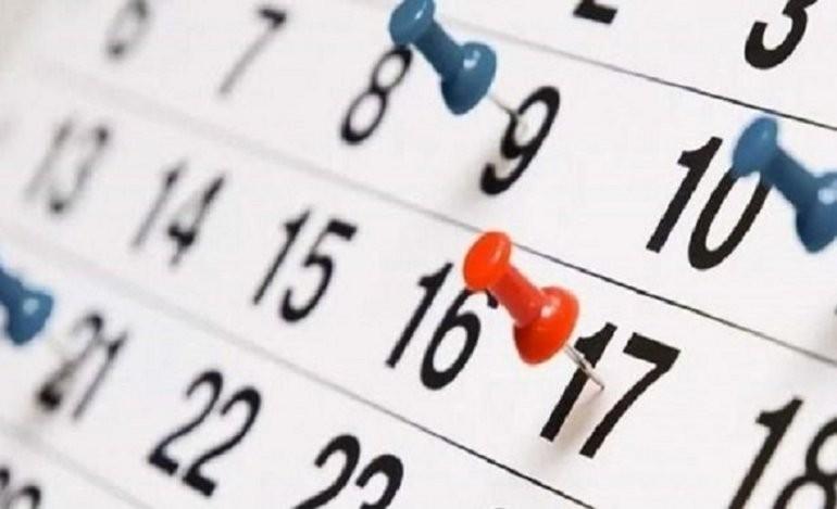 Calendario Agosto 2019 Con Feriados.Calendario 2019 Es Feriado Puente El Lunes 19 De Agosto