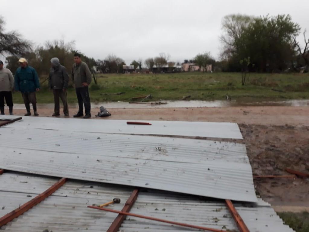 La tormenta de Santa Rosa llego con fuertes vientos , lluvias y granizo en el Departamento Federal