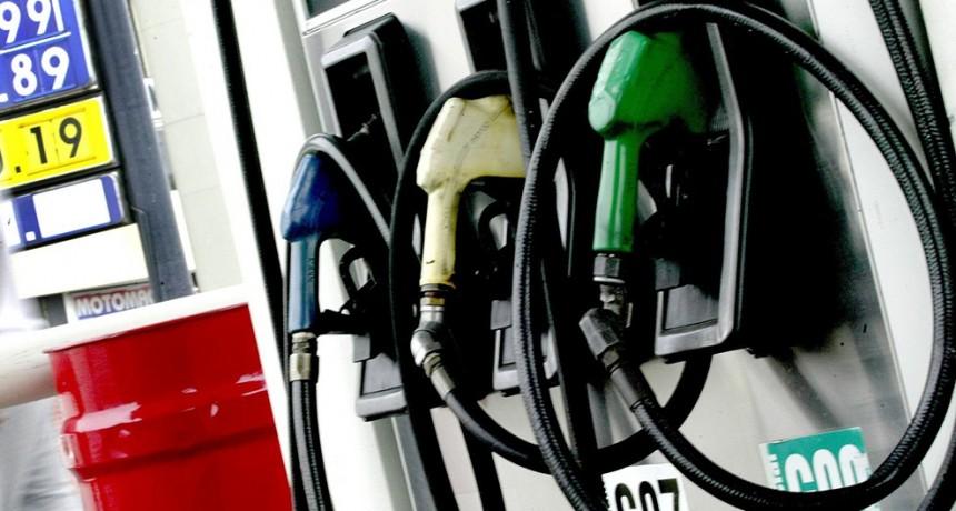 Desdoblaron la suba del impuesto a los combustibles: De cuánto es este mes