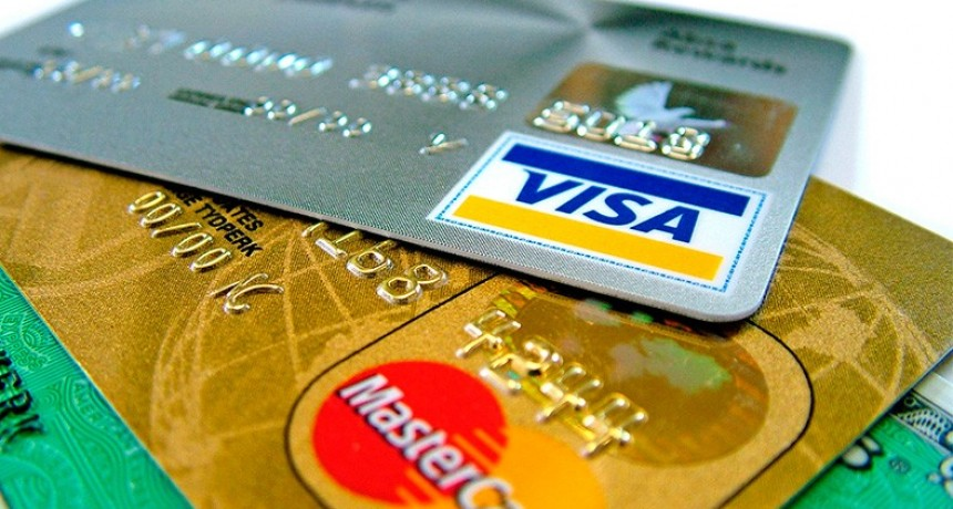 Controlarán los movimientos que se realicen con tarjetas de crédito y débito