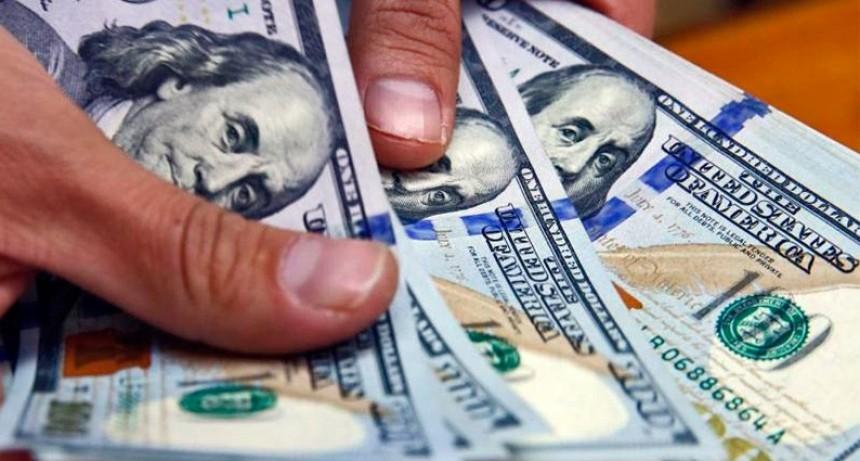 El dólar volvió a subir y cerró la semana con aumento acumulado de 66 centavos