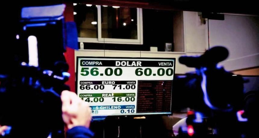 Dólar hoy: por efecto de las PASO, cotiza a $58 en el Banco Nación
