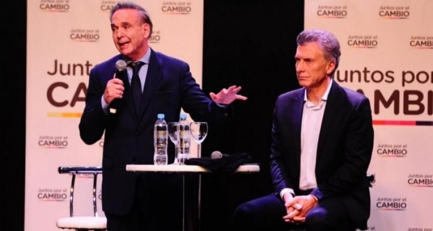 Revelan que Macri quiso renunciar y Pichetto lo frenó