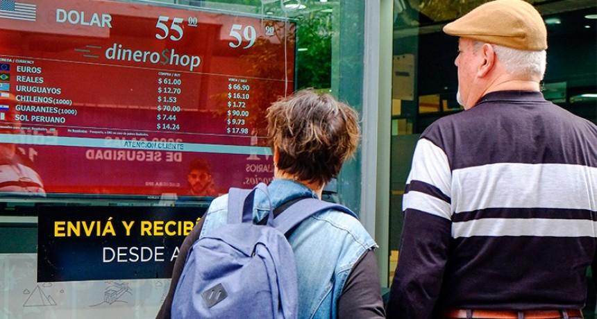 El dólar cerró a $ 60: La tasa subió a 78 % y el Central vendió u$s 223 millones