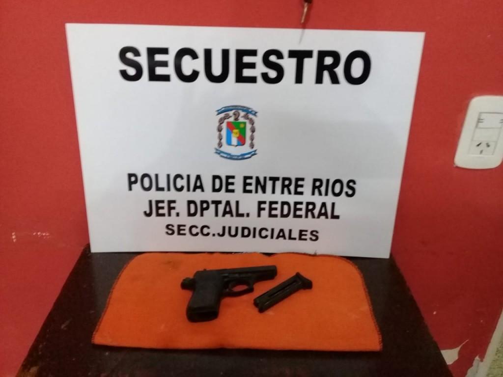 Secuestro de un arma tipo pistola calibre .22 marca Bersa