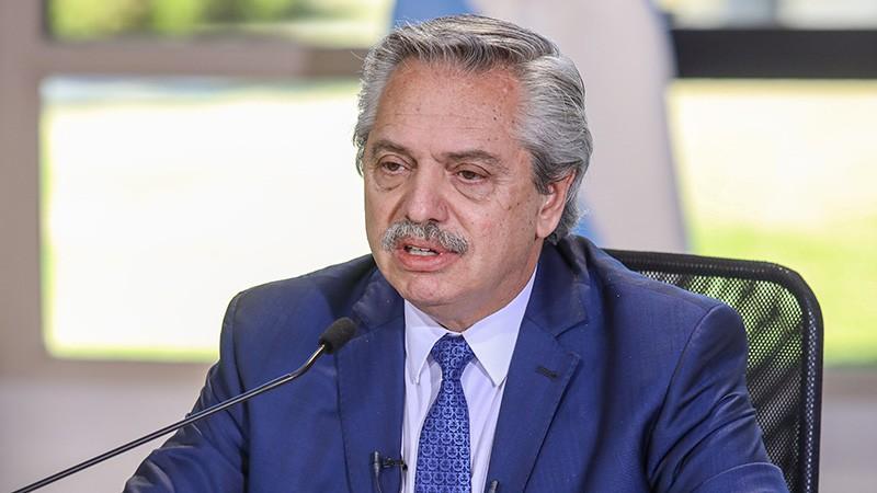 El Presidente extendió el aislamiento hasta el 30 de agosto y habilitó deportes