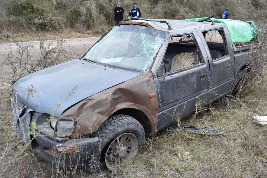 Accidente de tránsito (vuelco) en Ruta Provincial N° 5