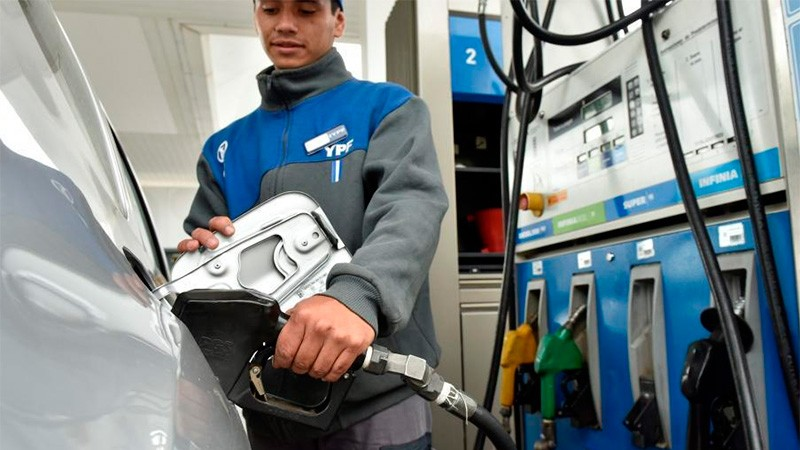 YPF aumentó un 4,5% el precio de las naftas