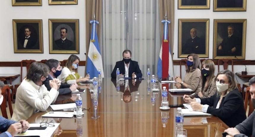 Se penalizará el incumplimiento del decreto que prohíbe las reuniones sociales
