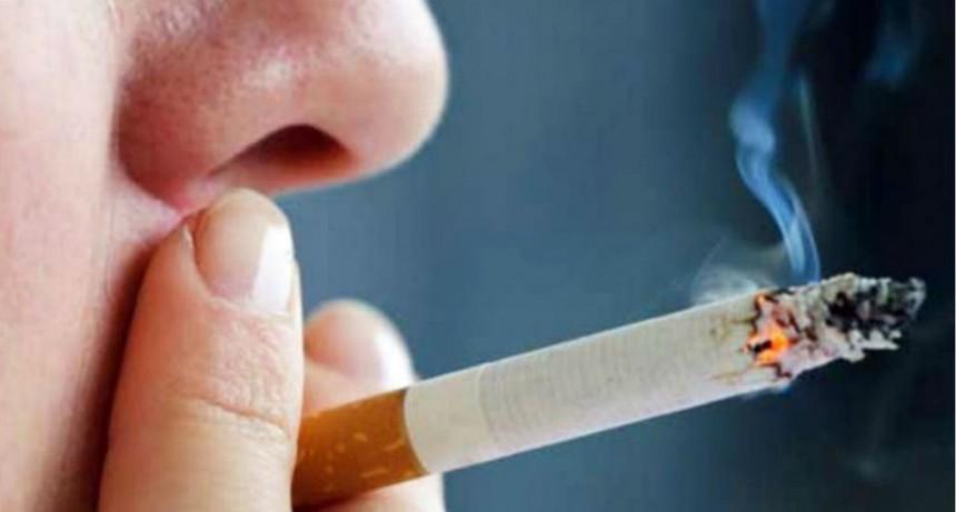 Coronavirus: ¿es posible contagiarse como fumador pasivo?