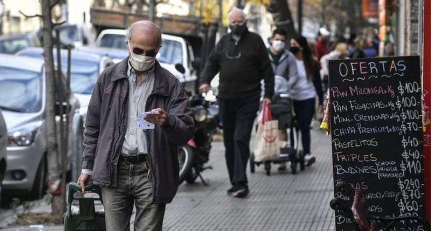 Día récord: Los contagios diarios de covid-19 superaron los 10.000 en Argentina