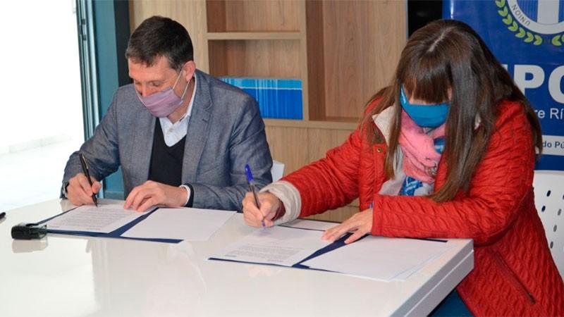 Upcn firmó convenio con Uader para capacitar a empleados públicos
