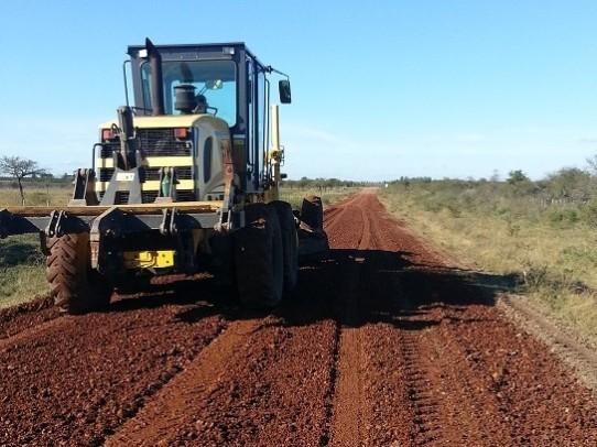 Vialidad continúa con la reposición de ripio en la ruta 28