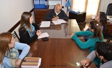 Felipe Torres se reunión con la agrupación TAC para coordinar la semana del estudiante
