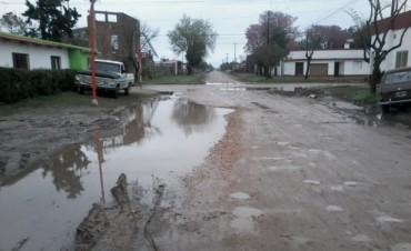Preocupa a vecinos  el lento escurrimiento de las aguas de lluvia