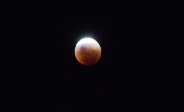 La súper Luna roja en Argentina