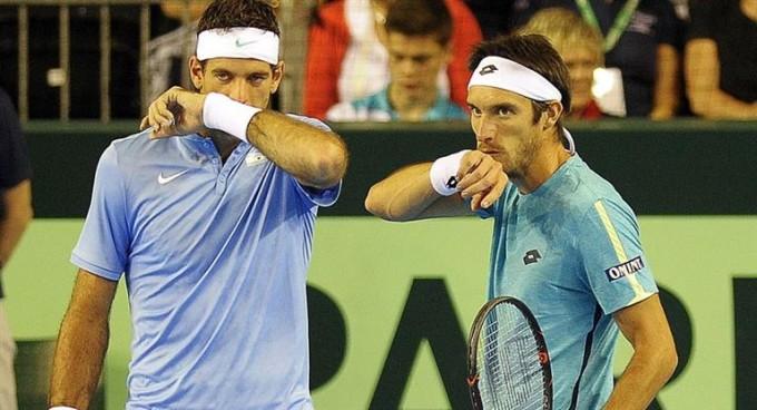 El dobles no pudo contra los Murray y el pasaje a la final se definirá mañana