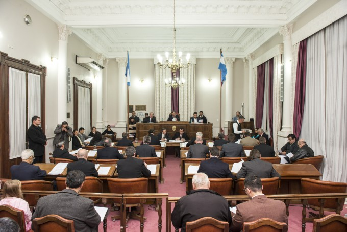 Sesiona el Senado y estudiará en comisión cambios a la ley de endeudamiento