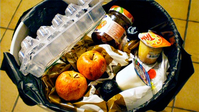 Se tira un kilo diario de comida por persona en Argentina