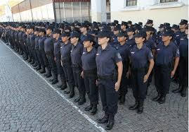 El diputado Monge propuso que la Policía se haga  cargo del costo de los uniformes de sus agentes
