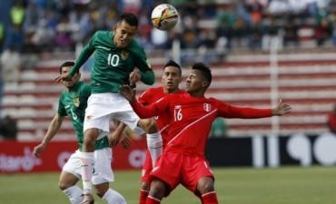 Bolivia venció a Perú y complicó el futuro de Ricardo Gareca