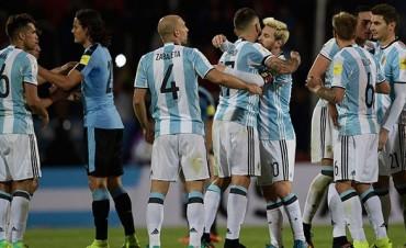 Con gol de Messi, Argentina derrotó a Uruguay y es líder de las Eliminatorias
