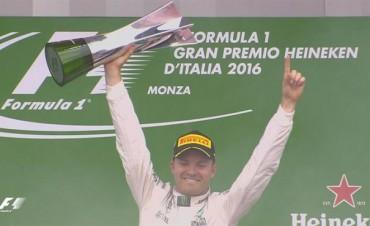 Rosberg logró su primera victoria en Monza y achicó distancias con Hamilton