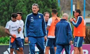 Edgardo Bauza confirmó el equipo para enfrentar a Venezuela