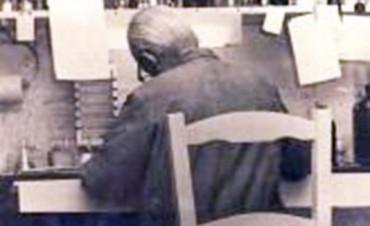 Luis Federico Leloir, el argentino que tenía un Fitito, investigaba en una silla de paja y ganó el Nobel
